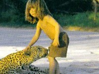 Леопард и девочка
